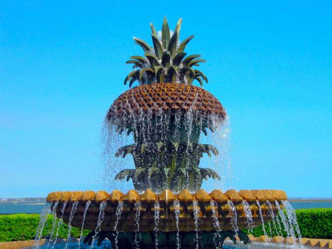 Waterfront Park's Pineapple Fountain | © David/Flickr
