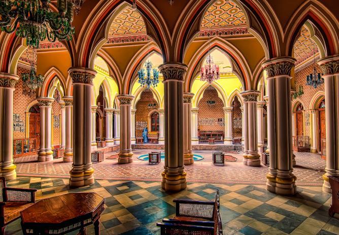 Courtyard of the Majaraja's Palace - Bangalore | © Keith Cuddeback/Flickr
