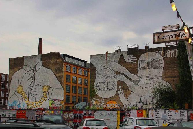 Street art at Kreuzberg, Berlin © Kamahele/WikiCommons