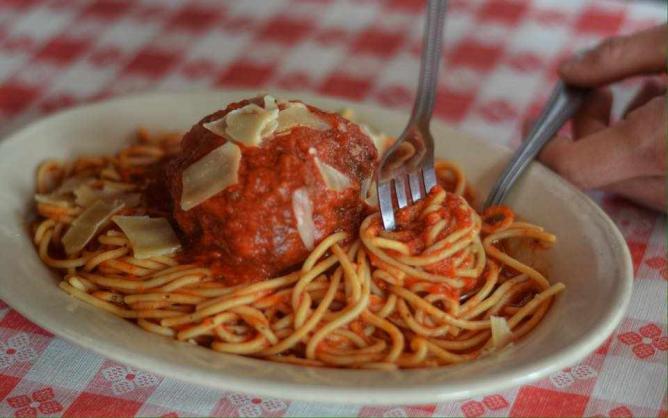 Spaghetti marinara and meatballs   © Martinelli's