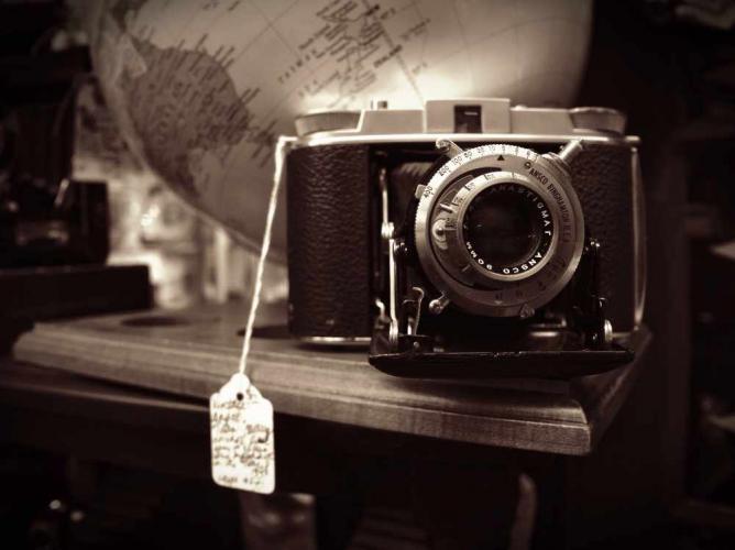 Traveller's Camera | © Edward Conde/ Flickr