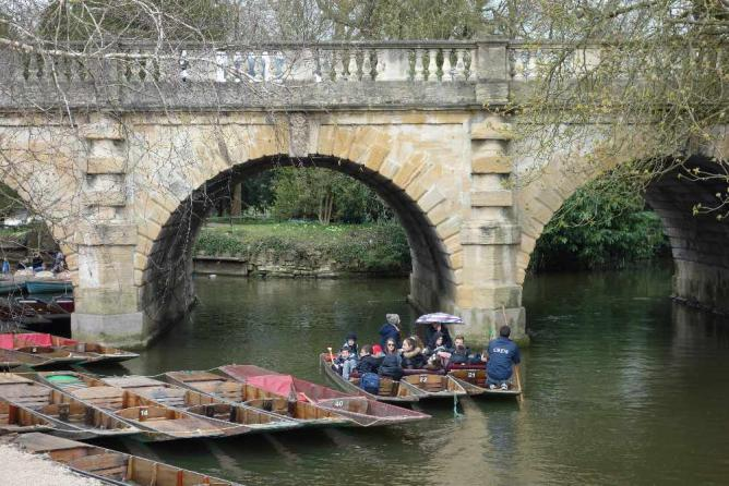 Punting [in] Oxford April 2015 | © Tejvan Pettinger/Flickr