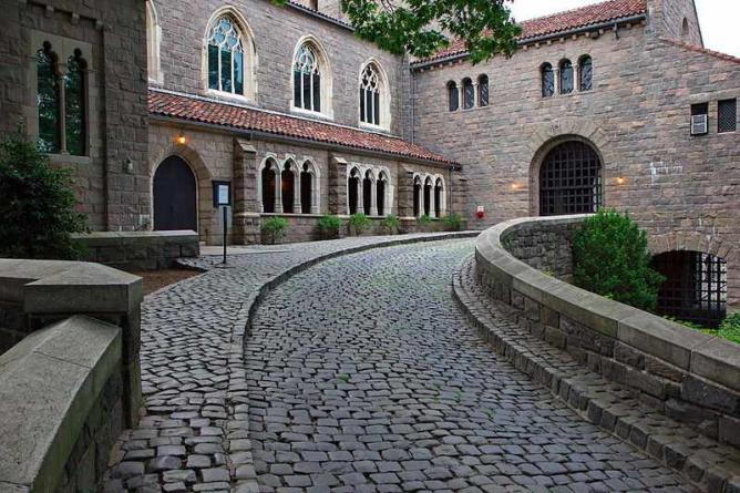 The Cloisters entrance