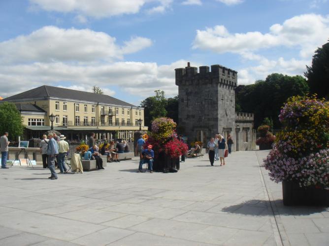 Canal Square, Kilkenny © LikeThatWillHappen/WikiCommons