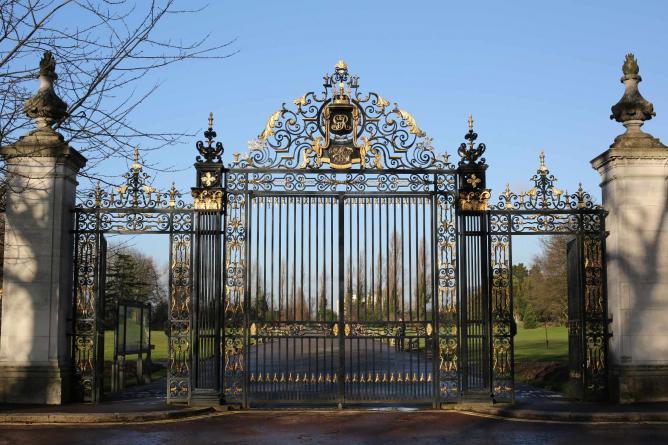 Queen Mary's Gate, Regents Park | © Eugene Regis/Flickr
