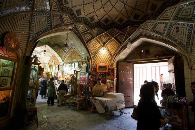 Vakil Bazaar | © Nick Taylor/Wikicommons