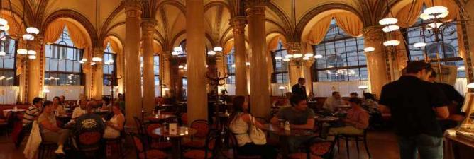 Café Central © Natalie Marchant/Flickr