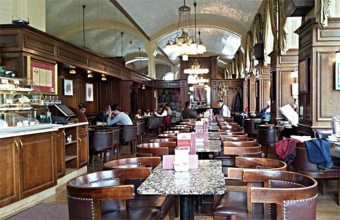 Café Schwarzenberg © Andreas Faessler/WikiCommons