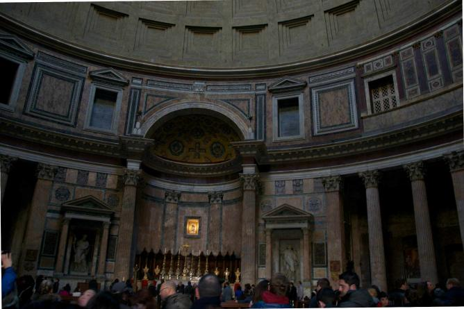 Inside the Pantheon | Courtesy of Luca Pinelli