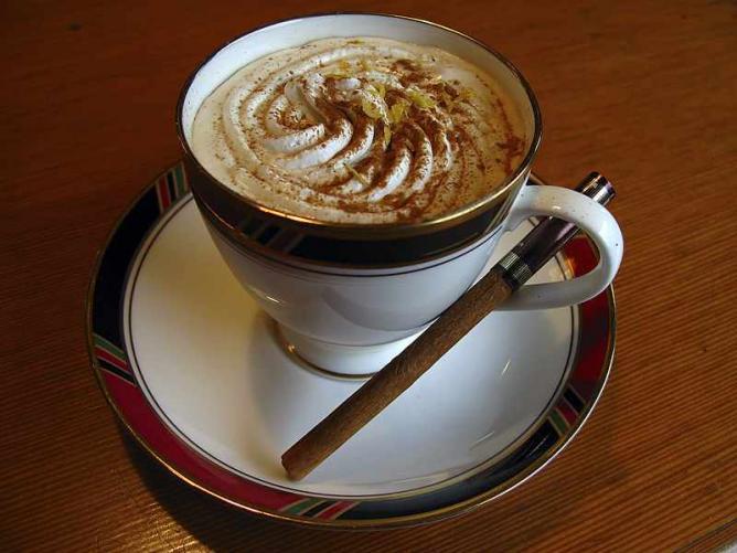 Coffee and cinnamon   © Fg2/WikiCommons