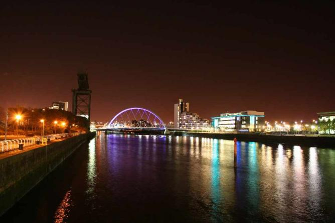 Glasgow by night | © Paisley Scotland/Flickr