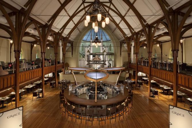 Interior l Courtesy of Grace Restaurant