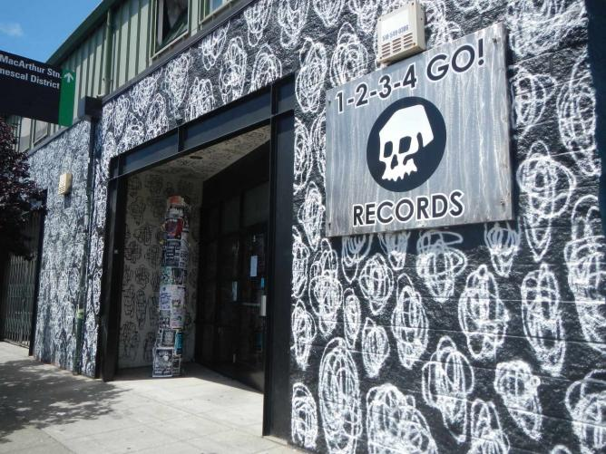 1-2-3-4 Go! Records   © Aimee Rose