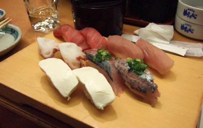 Sushi In Matsumoto | ©Henry Burrows/Flickr