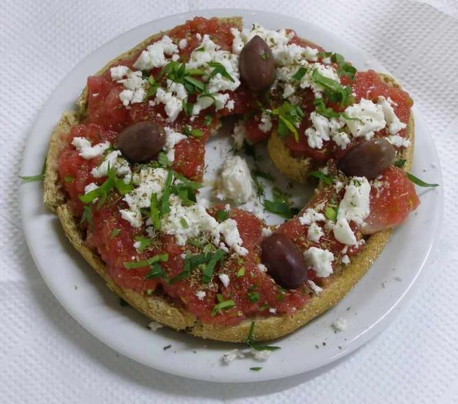 'Dakos', classic Cretan breakfast | © Frente/WikiCommons