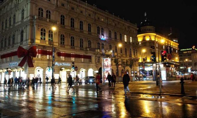 Vienna at night © Michael Becker/Flickr