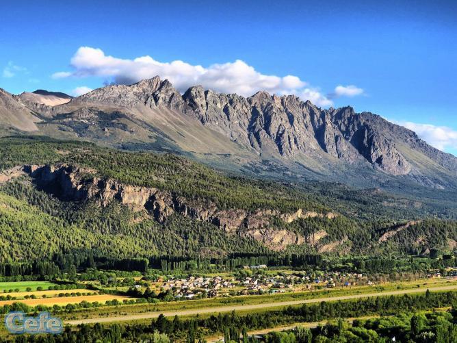 Cerro Piltriquitrón, El Bolsón | © maxtdf/Flickr