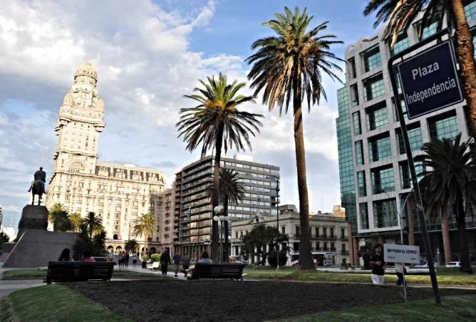 Plaza Independencia © Ricarda Reininger