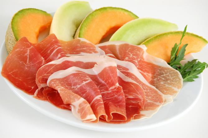 Parma ham with melon   © MagnaParma/Flickr