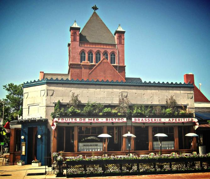 The outside view of Le Diplomate restaurant on 14th St in Washington DC.