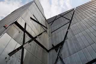 Libeskind's Jewish Museum Berlin | © bennybulb/FLICKR