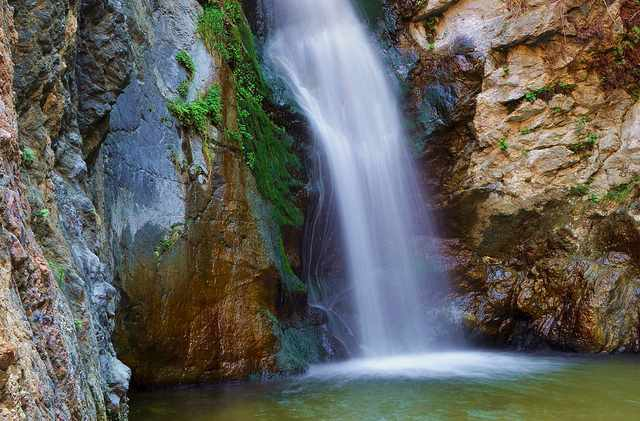 Eaton Canyon Falls  | © Eaton Canyon Nature Center