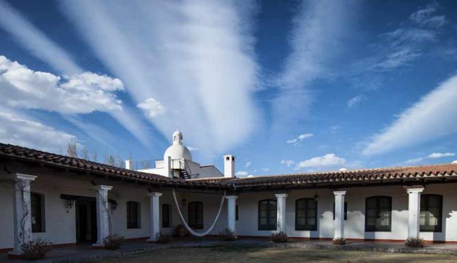 The hotel owned by El Esteco Ⓒ Jimmy Baikovicius/Flickr