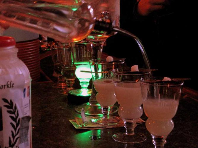 Drinks at Cafe Absinthe | © Fuschia Foot/Flickr