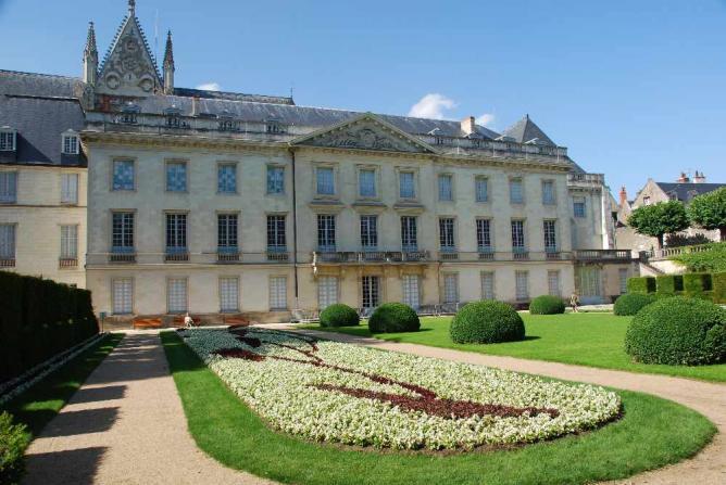 Garden at Musée des Beaux-Arts de Tours   © Casper Moller/WikiCommons