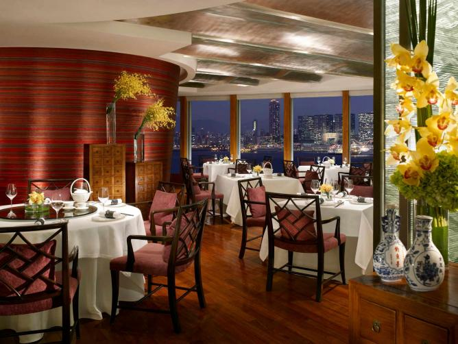Interior of Lung King Heen | Courtesy of Four Seasons Hotel Hong Kong