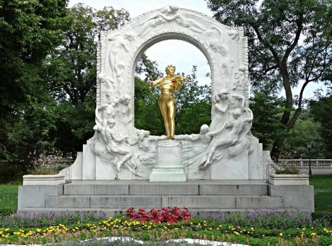 Johann Strauss Memorial © Terence Faircloth/Flickr