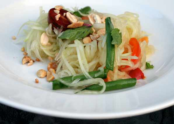 An authenticThai papaya salad | © Maggie Hoffman