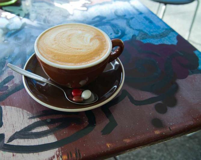 Delicious coffee at Revel Café © Wonderferret/Flickr