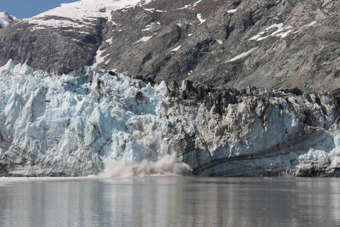 Ice Calving Fall at Glaciers Bay National Park