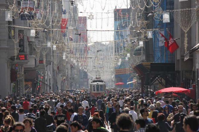 Istiklal Street   © Zumrasha/WikiCommons