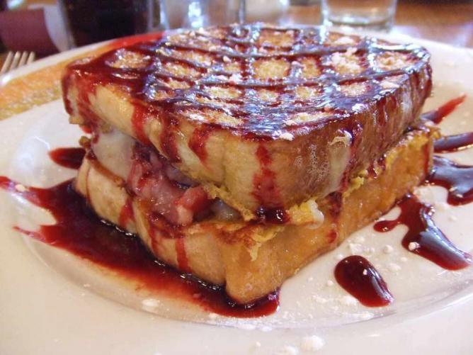 Monte Cristo French Toast, The Hudson Cafe | © Kodamakitty/Flickr