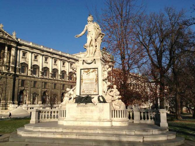 Mozart Statue Burggarten © Andrew Nash/Flickr