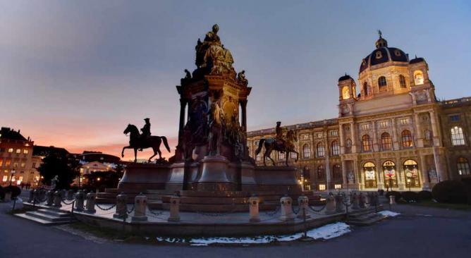 Maria-Theresia Monument © Kaspar von Zumbusch/Flickr