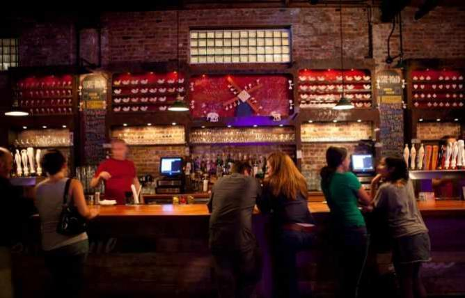 Brooklyn Bar | © Anthony Quintano/Flickr