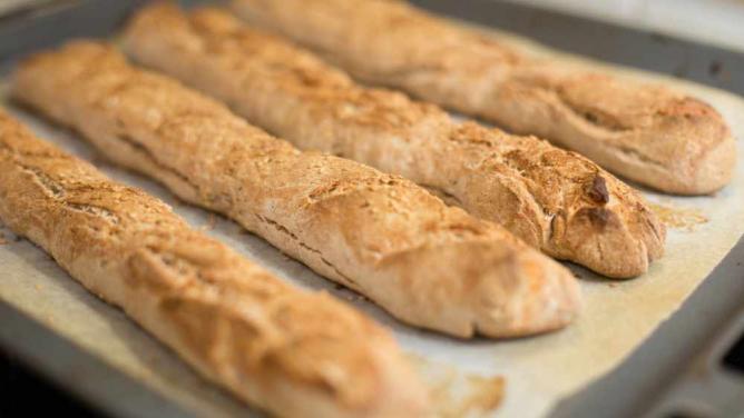 Handmade Baguette | © N i c o l a/Flickr