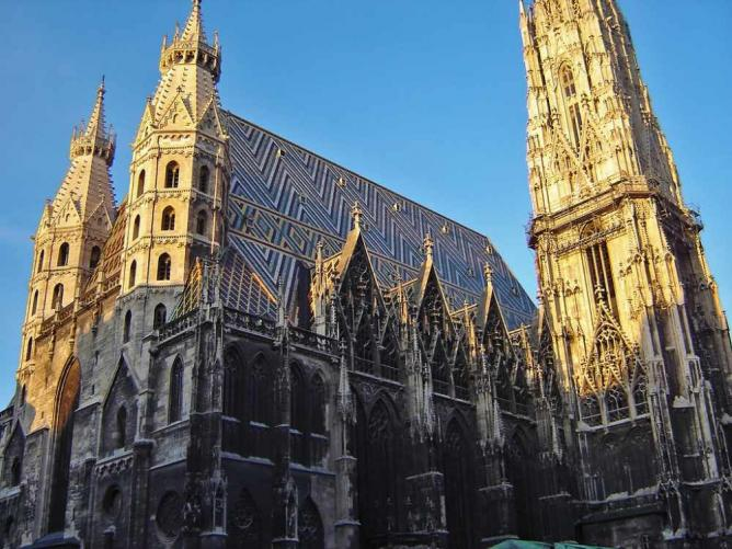 St. Stephen's Cathedral © Alex Bikfalvi/Flickr
