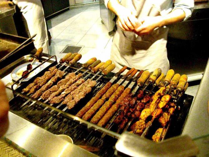 Iranian kebabs | ©Kaveh/Wikicommons