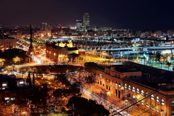 Barcelona by night | © Jorge Franganillo/Flickr