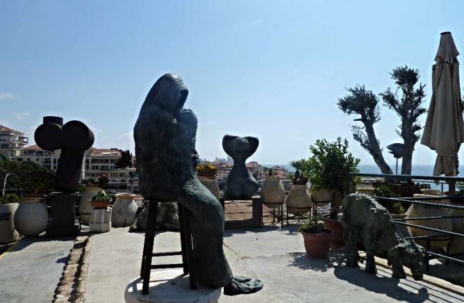 Sculpture by Ilana Goor | © deror_avi/WikiCommons