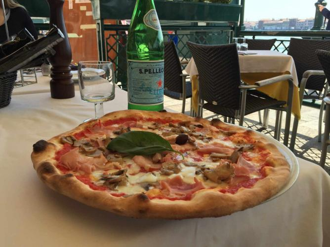 Pizza in Venice