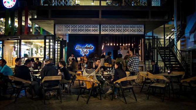 Chiang Mai bar scene | © Takeaway/Wikicommons