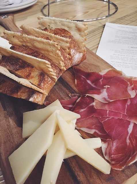 Cheese and Charcuterie Sampler | © Alex Nguyen