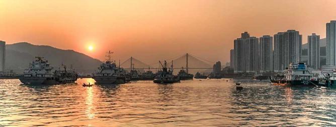 Sunset in Tusen Wan © johnlsl/Flickr