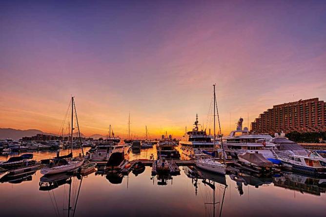 Gold Coast in Tuen Mun © johnlsl/Flickr