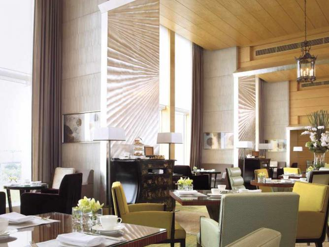 Interior of the Lounge | Image courtesy of Four Seasons Hotel Hong Kong